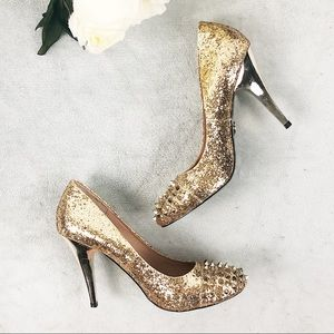 Betsy Johnson gold glitter studded heels size 9